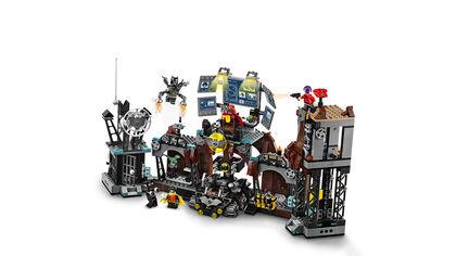 LEGO Superhéroes Clayface la Batcueva (76122)