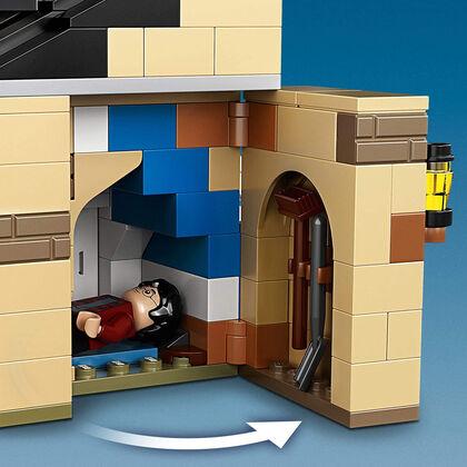 LEGO Harry Potter Número 4 de Privet Drive Set con Ford Anglia, Figura de Dobby y Familia Dursley (75968)